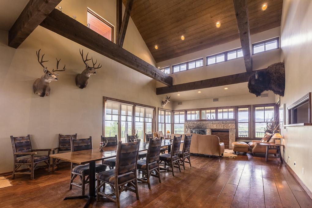 Scenic Mesa Lodge Great Room 1