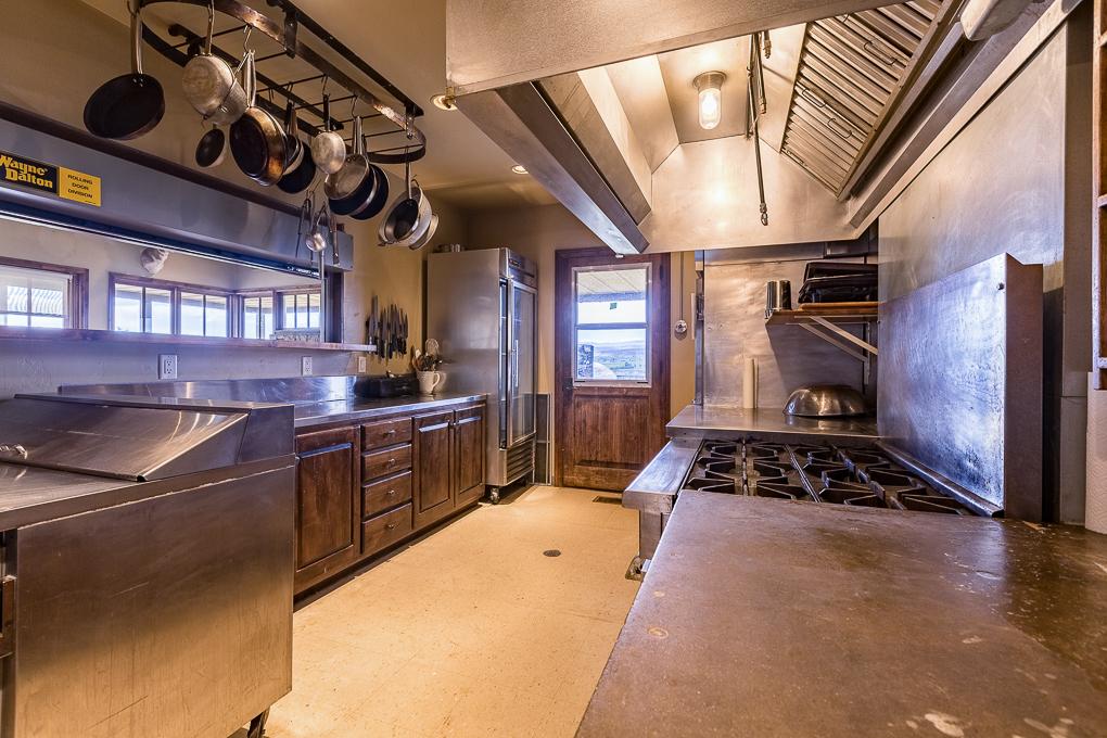 Scenic Mesa Lodge Kitchen 1