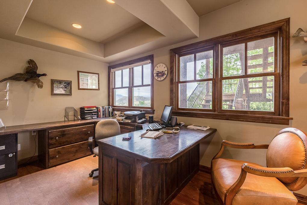 Scenic Mesa Lodge Office